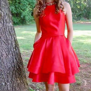 Beautiful Mac Duggal red formal dress size 0